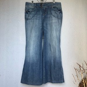 Vintage DKNY Women's Jeans Blue Wash Flare. S 12